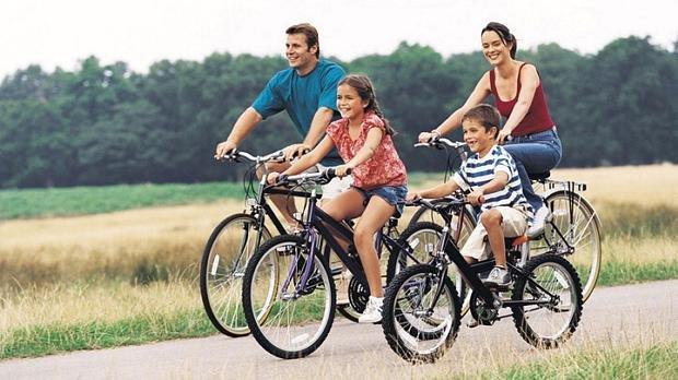 Fazer exercício físico com a família