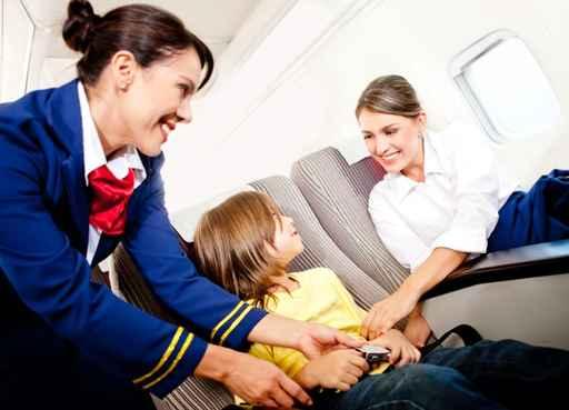 viajar-com-criança-aviao