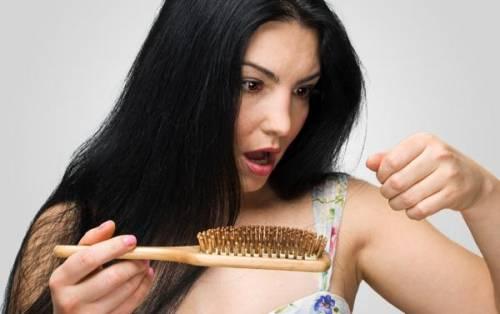 Queda-de-cabelo-ou-alopecia