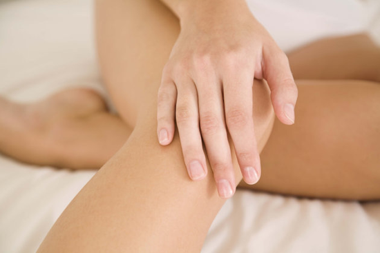 Como hidratar joelhos e cotovelo