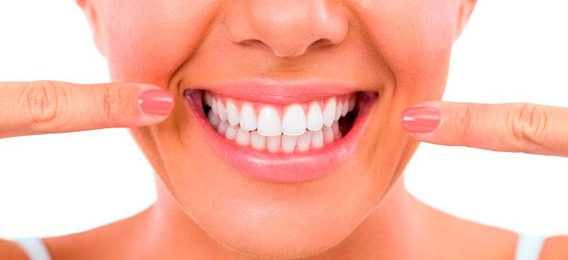 Cuidados a ter durante e após o branqueamento dentário
