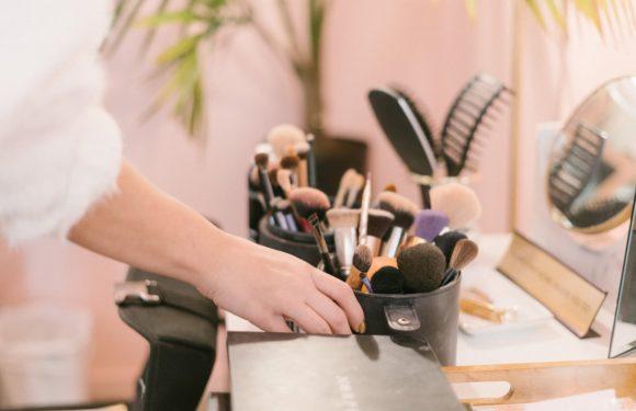 Aprenda a Maquilhar-se em Poucos Minutos